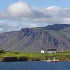 Blick auf Viðey und den Berg Esja